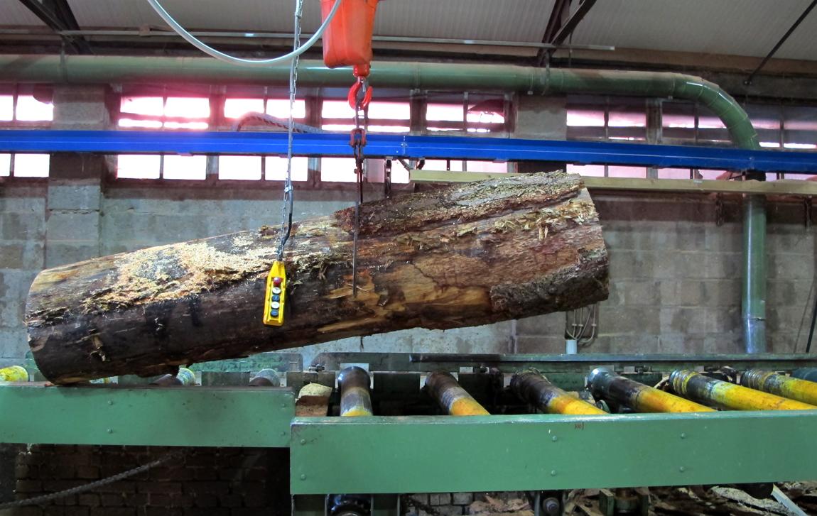 newwindow-choosing-cutting-sawing-3