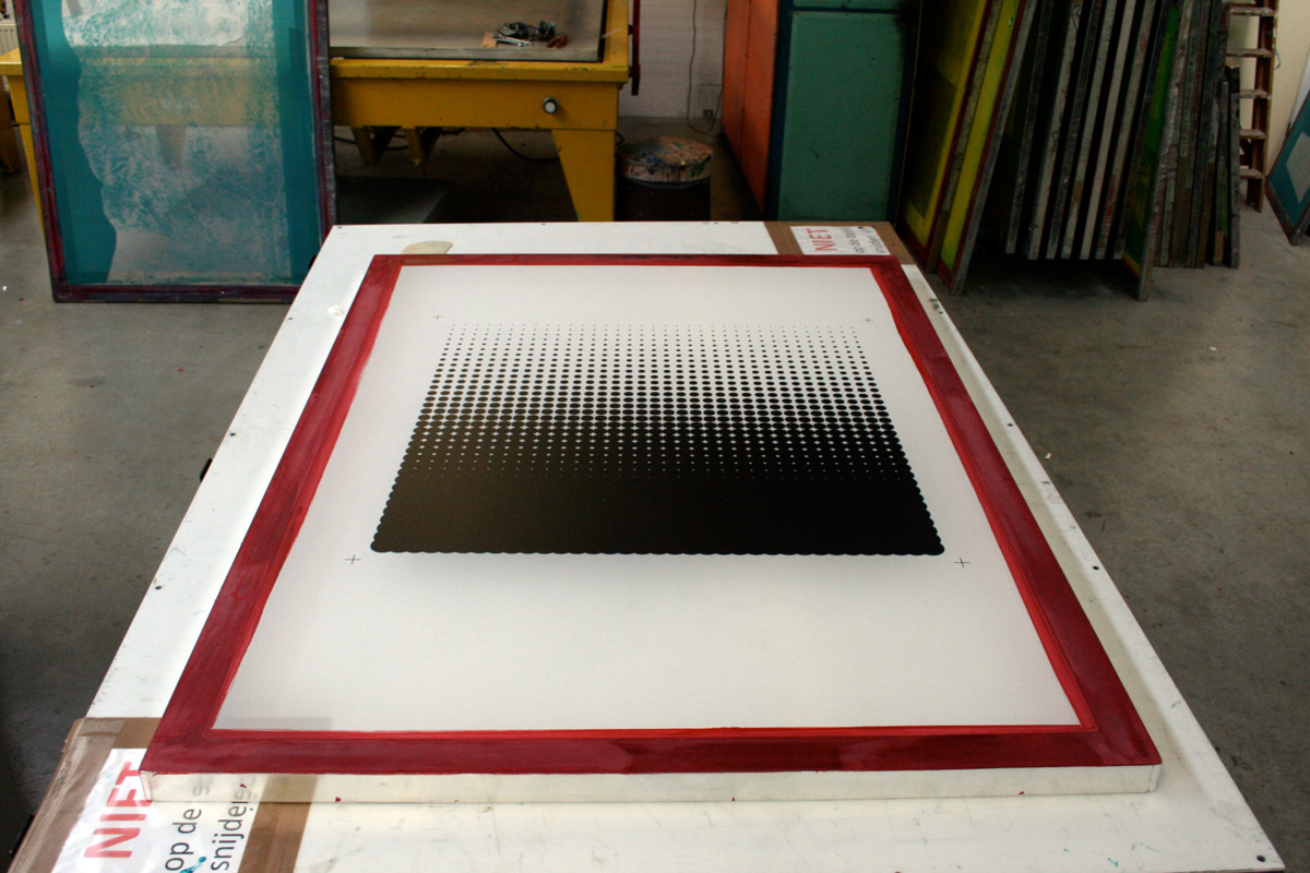 rogier-arents-new-window-silkscreen-apply-1200