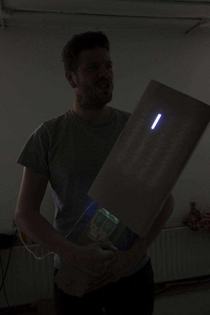 img-making-lightsaber-1-04-lo-1200
